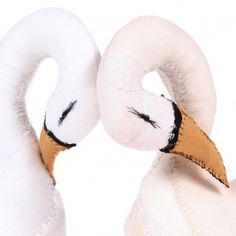 http://static.smallable.com/293775-thickbox/couple-of-swans.jpg