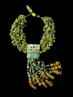 gretchen schields in ornament magazine Fabric Jewelry, Jewelry Art, Beaded Jewelry, Handmade Jewelry, Jewelry Necklaces, Jewelry Design, Fashion Jewelry, Beaded Bracelets, Ethnic Jewelry