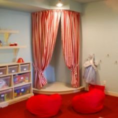I know a little girl that would love a stage in her room!!!  Me.