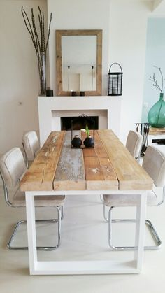 Love this cheap easy idea for a table. Scaffold boards and a metal frame maybe recycled from an old table? Dining Room Table, Dining Area, Kitchen Dining, Home And Deco, Home And Living, Diy Furniture, Sweet Home, New Homes, Room Decor