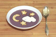 Lila Sternchen-Suppe von http://www.pinterest.com/faltmanufaktur/ Zutaten: Vitelotte-Kartoffeln, Lauch,  Gemüsebrühe, Sahne, etwas Sauerrahm Knoblauch, Thymian, Muskatnuss, Butter und Salbei #gutelaunevitamix