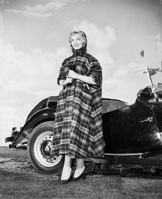Lizabeth Scott Lizabeth Scott, Tallulah Bankhead, Screen Test, Vintage Hollywood, Classic Hollywood, Veronica Lake, She Movie, Lauren Bacall, Good Old