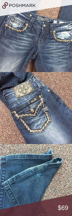 """Sz25 Signature Boot Miss Me Measures 14"""" across 32.5"""" length. Bootleg. Fits 1-2 size. I have more Buckle, Big Star, Rock Revival, Louis Vuitton, Tom's posted!! 20% off bundles. No trades or holds. Sorry Miss Me Jeans Boot Cut"""