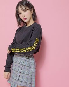 Fashion: Our Tips And Tricks Are Tops. Having bad fashion sense is also bad for self-esteem. If being a victim of fashion troubles you, it might surprise you to realize how simple it can be to f Extended Play, Kpop Girl Groups, Kpop Girls, Korean Girl, Asian Girl, Korean Style, Jung Eun Bi, Bad Fashion, G Friend