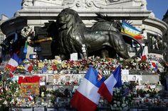 Um mês após ataques, Paris ainda convive com o medo. (foto: EPA)