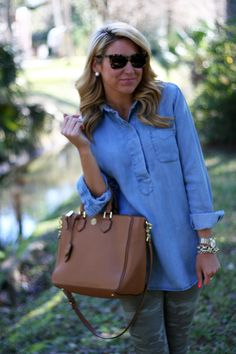 Oufit | Chic Chambray top with chic Camo pants