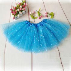 Szinte minden kislány álmodozik róla, hogy ők is magunkra ölthetik a varázslatos balerinák tütü szoknyáit, és elmehetnek benne az oviba, iskolába, így remek húsvéti, szülinapi, névnapi ajándék lehet.