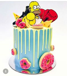 Homer Simpson cake by and this cake is beautiful! Homer is a crazy dad Qui ne connait pas les Simpson mdrrrr une famille de fou lol Simpsons Cake, Simpsons Party, Sweet 16 Birthday Cake, 14th Birthday, Delicious Cake Recipes, Yummy Cakes, Cake Cookies, Cupcake Cakes, Cupcakes