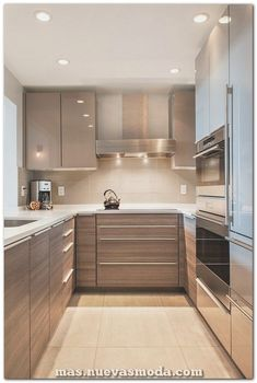 Modern Kitchen U shaped kitchen design ideas small kitchen design modern cabinets recessed lighting - Get inspired to remodel your own kitchen with our easy tips and clever ideas. Kitchen Ikea, Modern Kitchen Cabinets, Home Decor Kitchen, Interior Design Kitchen, Kitchen Small, Kitchen Modern, Kitchen Contemporary, Kitchen White, Kitchen Layouts