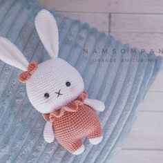 Made by 🐰 Pattern by me . Easter Bunny Crochet Pattern, Knitted Bunnies, Crochet Rabbit, Crochet Animal Patterns, Crochet Doll Pattern, Cute Crochet, Amigurumi Patterns, Amigurumi Doll, Crochet Animals