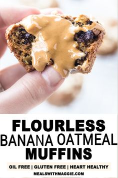These Flourless Banana Oatmeal Muffins recipe is simple, gluten free and natural. The muffins are made with a banana, peanut butter, honey and oatmeal. Banana Oatmeal Muffins, Lemon Blueberry Muffins, Blue Berry Muffins, Gluten Free Muffins, Healthy Muffins, Healthy Fats, Peanut Butter Roll, Peanut Butter Banana, Healthy Bread Recipes