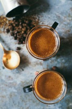 This french press chai latte recipe only takes 10 minutes, it's dairy free, it's refined sugar free, and a delicious pick me up! I Love Coffee, Coffee Art, Coffee Break, Coffee Shop, Coffee Cups, Coffee Lovers, Coffee Poster, Fresh Coffee, Morning Coffee