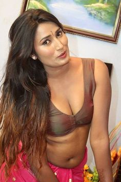 Desi Bhabhi with her milk factory boobs show erotic cleavage queen give us enjoy with their curvy Saari body Show. Hot and sexy Indian actr. Hot Actresses, Indian Actresses, Aunty Desi Hot, Saree Backless, Desi Masala, South Indian Actress Hot, Sexy Hot Girls, Indian Beauty, Sisters