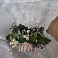 Flower Crown Bride, Flower Crown Headband, Flower Girl Headbands, Pearl Bridal, Bridal Comb, Flower Hair Accessories, Wedding Hair Accessories, Boho Green, Headpiece Wedding