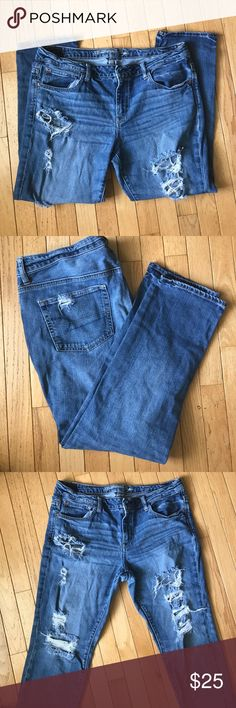 American Eagle Slouchy Distressed Jeans EXCELLENT condition! American Eagle Outfitters Jeans