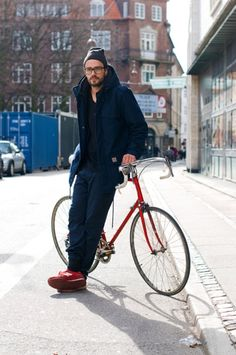 Street Style #specs sneakers glasses black coat jeans fashion men tumblr bike New balance beanie