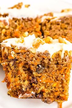 Youll love how easy and delicious this Carrot Cake Loaf recipe is. Its topped with my favorite recipe for fluffy cream cheese frosting! Carrot Cake Bread, Carrot Cake Loaf, Easy Carrot Cake, Pecan Cake, Loaf Cake, Carrot Cakes, Carrot Bread Recipe Moist, Banana Bread, Loaf Recipes