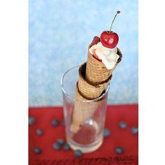 Berries_and_Cream_Cones_recipe