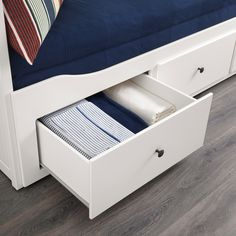 HEMNES Daybed with 3 mattresses, white, Minnesund firm white/Minnesund firm Twin Ikea Hemnes Daybed, Hemnes Day Bed, Cama Ikea, Painted Beds, Painted Drawers, Bed Storage, Storage Drawers, Lit Banquette 2 Places, Day Bed Frame