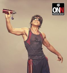 Exclusive snapshot of Mr Shahrukh Khan with our hypnotic New Sportz collection ! ONN