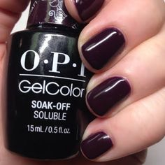 Preen.Me VIP Misty M glazes her nails to absolute perfection using her gifted #OPI Breakfast at Tiffany's GelColor in I'll Have a Manhattan. Click through to check out this enticing salon-exclusive shade.