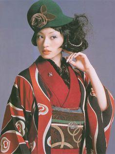 Kimono-hime issue Fashion shoot page 62 Era Taisho, Taisho Period, Kimono Japan, Japanese Kimono, Kimono Fashion, Lolita Fashion, Japanese Fashion Designers, Modern Kimono, Japanese Outfits