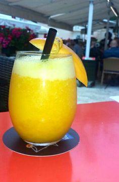 #Zumo #Axarquia con mango, naranja y limón ¡riquísimo y muy refrescante!