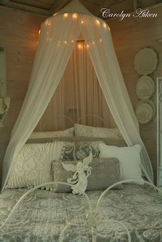Bed Canopy & lights -Aiken House & Gardens: The Christmas Cottage