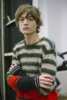 """trickymintty: """" Timur Muharemovic @ backstage photographed by Paolo Musa. Outfits Casual, Mode Outfits, Winter Outfits, Knitwear Fashion, Knit Fashion, Men's Knitwear, Men's Fashion, Hipster Grunge, Textiles"""