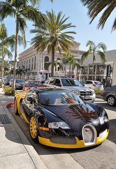 Bugatti Veyron/ Rodeo Drive/ Beverly Hills, CA Trevor would die when he sees some of the cars at rodeo! Bugatti Veyron, Bugatti Cars, Beverly Hills, Sexy Cars, Hot Cars, Volkswagen, Exotic Sports Cars, Exotic Cars, Expensive Cars