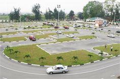 Trung tâm học lái xe ô tô Sao Vàng