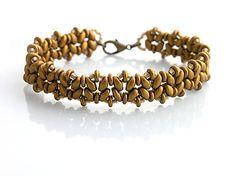 Náramok z korálok superduo, TOHO rokajlu a o-beads. Veľmi pekný vzor v zaujímavom zlatom prevedení....
