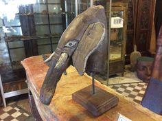 Leuke houten olifantenhoofd.... Te koop bij Medussa Heist op den berg