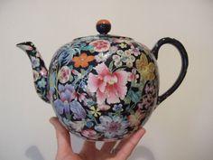FINE EXAMPLE c1900 ANTIQUE CHINESE MILLEFLEUR Porcelain TEAPOT Guangxu, CHINTZ