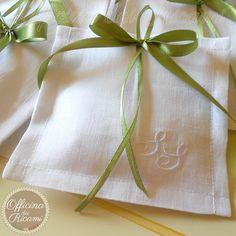 "#handcrafted #embroidered #wedding #favor #bags (sachets or boxes), customized with confetti in them, that you give away at #weddings | #bomboniere sacchetti #portaconfetti per #matrimonio completamente personalizzabili e made in Italy. Model: ""LAVANDA"""