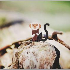 En la Selva de Kipling los bandar-log el pueblo de los monos eran un grupo ruidoso de malos modales y muy pagados de sí mismos... En nuestra selva los pequeños monos son tímidos y sabios y si escuchas con atención te contarán antiguos secretos...  Pronto en la tienda! . . At Kipling's Jungle the bandar-log were the monkeys a noisy group of rude selfish and arrogant people. At our Jungle monkeys are shy and wise and if you listen carefully they will reveal ancient secrets... Soon at the shop…