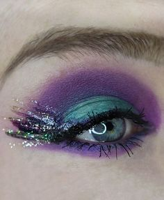 Eye Looks tutorials using the Urban Decay Wired Pressed Pigment Palette Eyeliners - Two Options! on All Things Beautiful XO Urban Decay Eyeliner, Urban Decay Perversion, Urban Decay Makeup, Drugstore Makeup Dupes, Beauty Dupes, Urban Decay Heavy Metal, Urban Decay All Nighter, Eyeshadow Base, Make Up