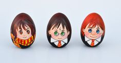 Celebrate Easter with a set of Harry Potter Easter eggs! A quirky craft for Harry Potter fans. And have you seen the egg-shaped Snape? potter Easter eggs How to Paint Harry Potter Easter Eggs Bunny Crafts, Easter Crafts For Kids, Easter Ideas, Harry Potter Easter Eggs, Decorative Painting Projects, Easter Party, Easter Table, Easter Gift, Easter Decor
