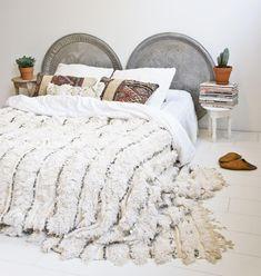 Gorgeous vintage Moroccan wedding blankets www. Moroccan Home Decor, Moroccan Furniture, Moroccan Bedroom, Boho Bedroom Decor, Home Bedroom, Bedrooms, Moroccan Wedding Blanket, Creative Home, Home Decor Accessories