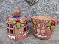 Vánoční svícen s cesmínou 1/ na obj. / Zboží prodejce keramika Ála   Fler.cz Polymer Clay Crafts, Succulents Garden, Ceramic Art, Terracotta, Gingerbread, Diy And Crafts, Christmas Crafts, Planter Pots, Angels