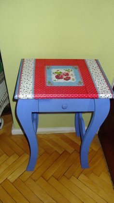 "My ""new"" table (Recycled with decoupage)."