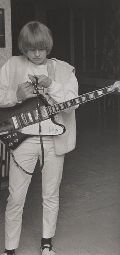 Brian Jones The Rolling Stones, Brian Jones Rolling Stones, Rock Roll, Gibson Firebird, Rollin Stones, Ron Woods, Charlie Watts, Muddy Waters, British Rock