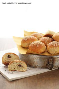 Panini al latte  e patè d'olive
