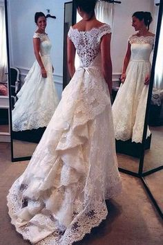 Vintage Lace White Off the Shoulder Layers Skirt A-line Bridal Gowns Wedding Dress