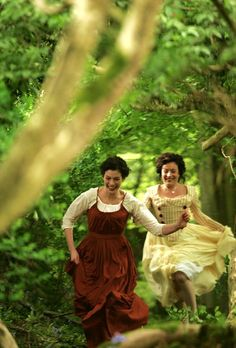 Becoming Jane - Jane Austen and Eliza De Feuillide Becoming Jane, Winchester, Jane Austen Movies, Little Dorrit, Shotting Photo, Movie Costumes, Anne Hathaway, Pride And Prejudice, Star Wars