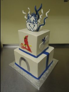 St. Louis-themed graduation cake by Sarah's Cake Shop - look who's on top!