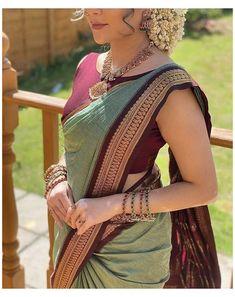 Cotton Saree Blouse Designs, Half Saree Designs, Fancy Blouse Designs, Indian Blouse Designs, Wedding Saree Blouse Designs, Indian Fashion Dresses, Indian Bridal Outfits, Sari Bluse, Sarees For Girls