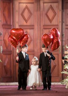 Valentine's Day Wedding-Flower Girl and Escorts. Wedding Goals, Chic Wedding, Wedding Trends, Wedding Planning, Wedding With Kids, Our Wedding, Dream Wedding, Marry Me, Marie