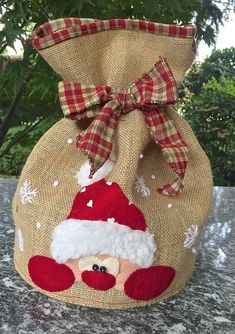 1 million+ Stunning Free Images to Use Anywhere Christmas Craft Fair, Christmas Gift Bags, Christmas Gift Wrapping, All Things Christmas, Christmas Stockings, Christmas Holidays, Diy And Crafts, Christmas Crafts, Christmas Decorations