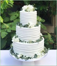 Beautiful greenery wedding reception catering cake & cake toppers, with lovely botanical, naked, natural and garden look! Greenery Wedding: greenery and botanical themed party. This cake is perfect! Floral Wedding Cakes, Wedding Cake Rustic, Wedding Cake Designs, Wedding Flowers, Wedding Greenery, Wedding Cake Simple, Botanical Wedding Theme, White Wedding Cakes, Rustic Theme Party